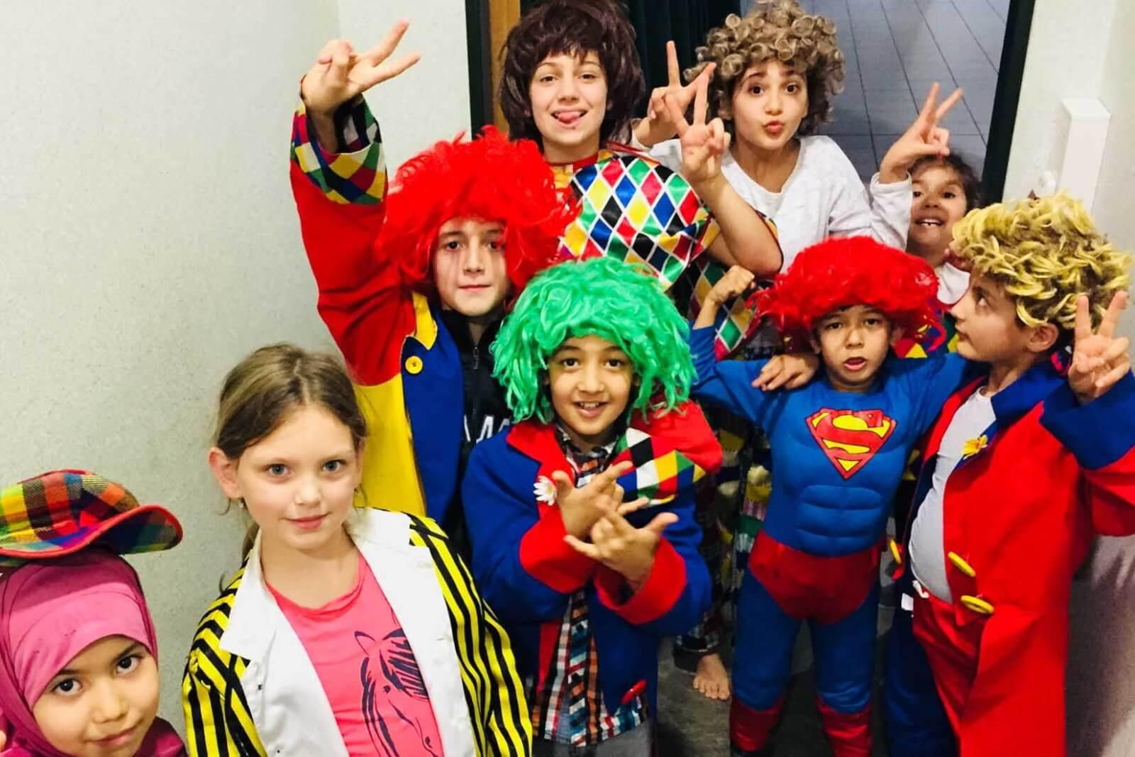 Zirkusprojekt mit Geflüchteten in Lindlar die Clowns